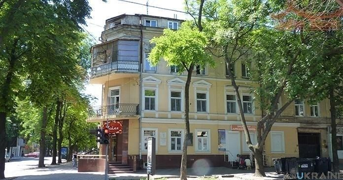 И- 367518.- Двух сторонняя квартира в Приморском р-не на Жуковского.