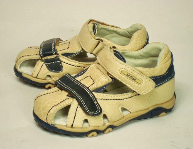 Летние сандалии кожаные для мальчика р. 26 стелька 16см. Новые.
