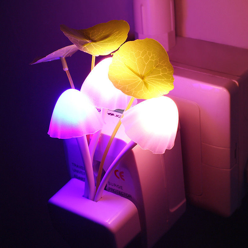 Ночник ! Автоматический светильник с датчиком света!!!