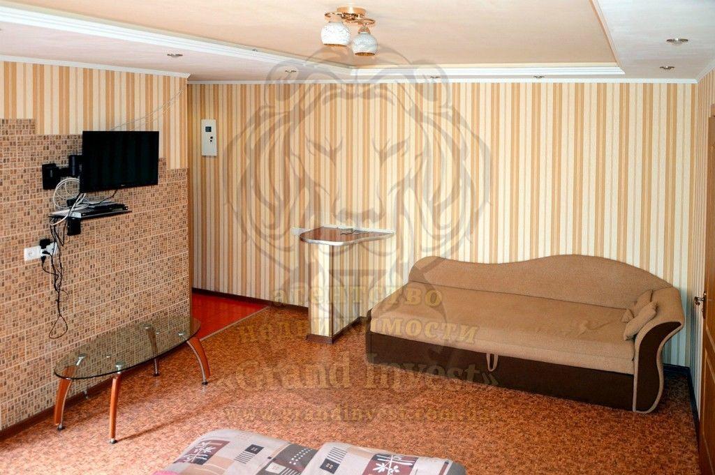 2-х комнатная в центре Херсона, с автономкой