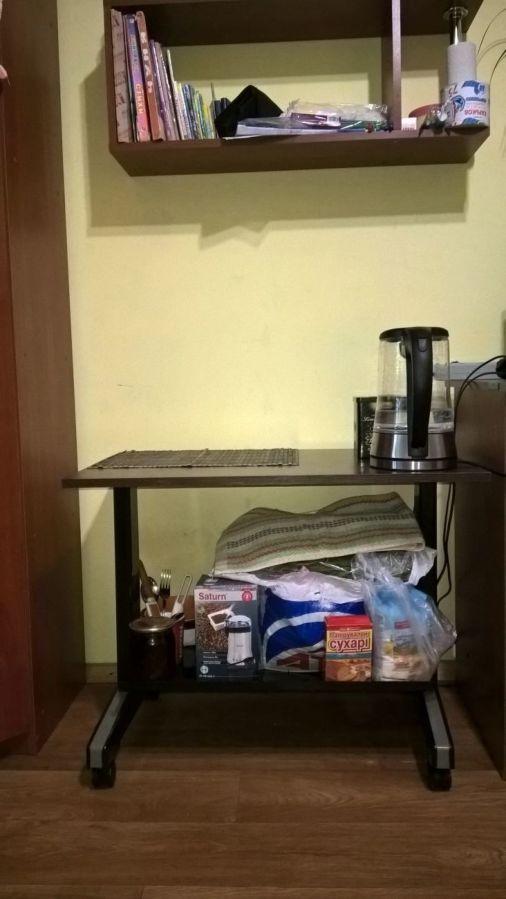 Журнальный стол. Состояние нового.(Метал)