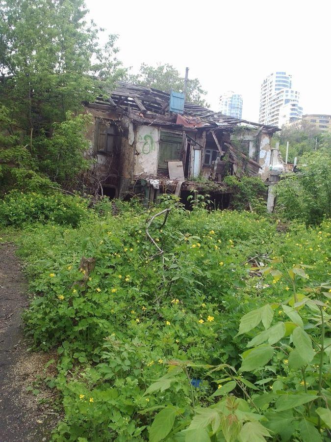 Продам участок по ул. Мандрыковской( начало Набережной победы)