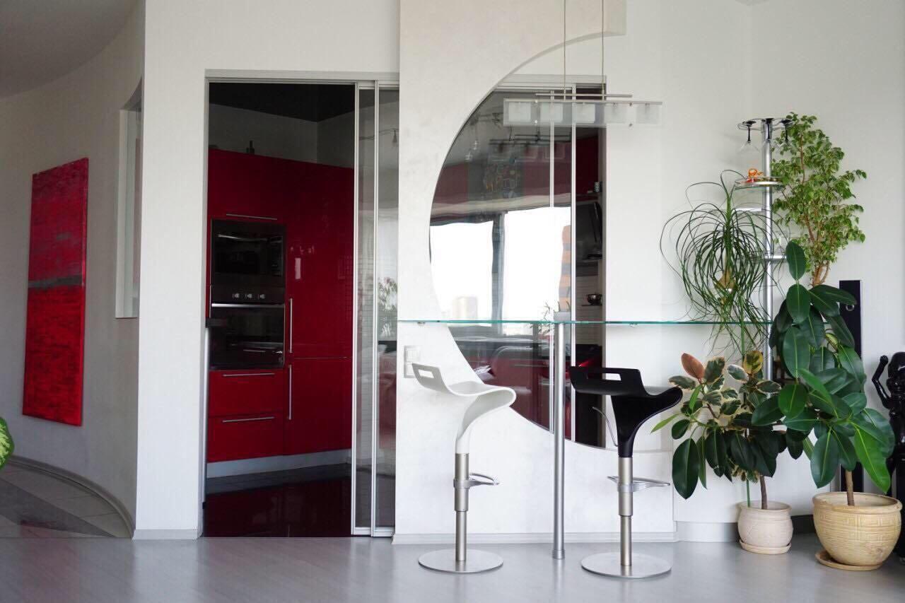 3к квартира с дизайнерским ремонтом в ЖК Башни Нагорный р-н парк