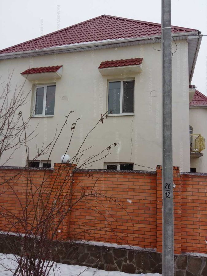 Продам новый кирпичный дом на Салтовке с ремонтом возле метро