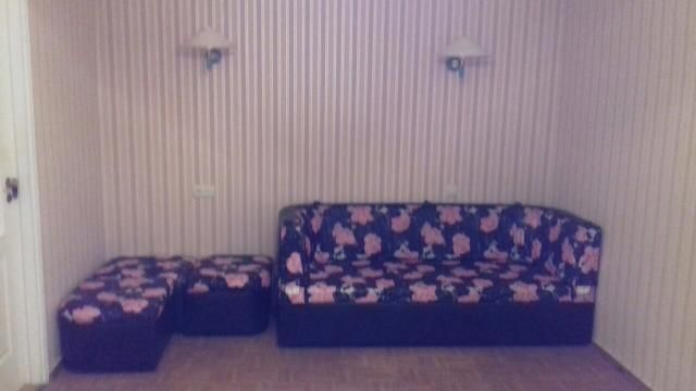 4-х комнатная. кухня-столовая, большой балкон, ул. Гайдара