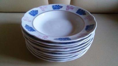 Тарелки глубокие, белые с голубыми и розовыми цветами