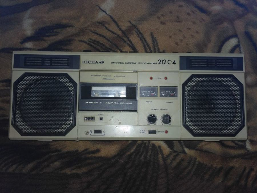 Кассетный стереофонический магнитофон ВЕСНА М-212С-4
