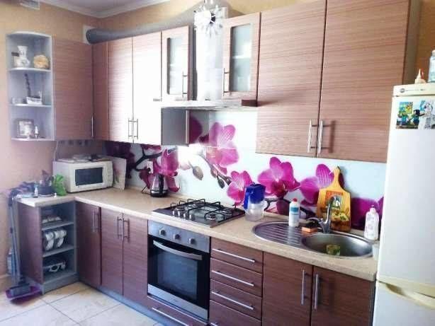 Добротный дом с ремонтом на Шуменском! 10872