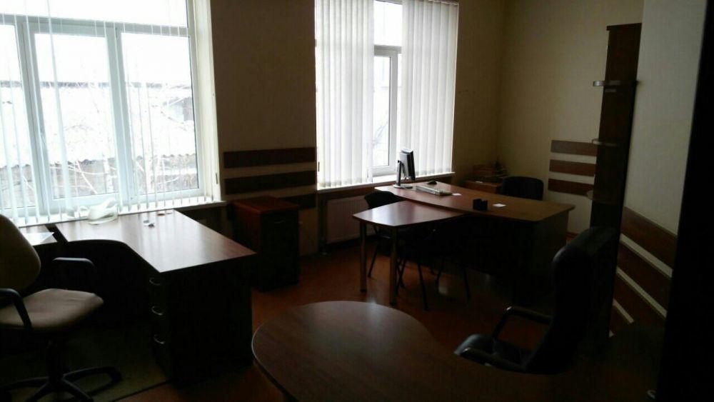 Продам офис в 2-х уровнях.