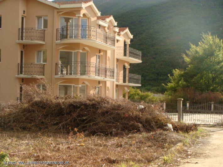 Черногория: АПАРТАМЕНТЫ В КОМПЛЕКСЕ ЛАСТВА (02063)
