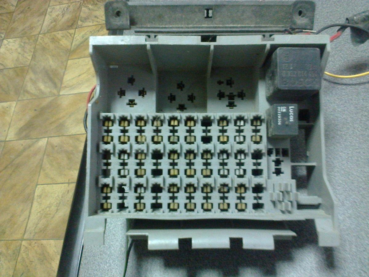 блок предохранителей opel omega a 1986-1994