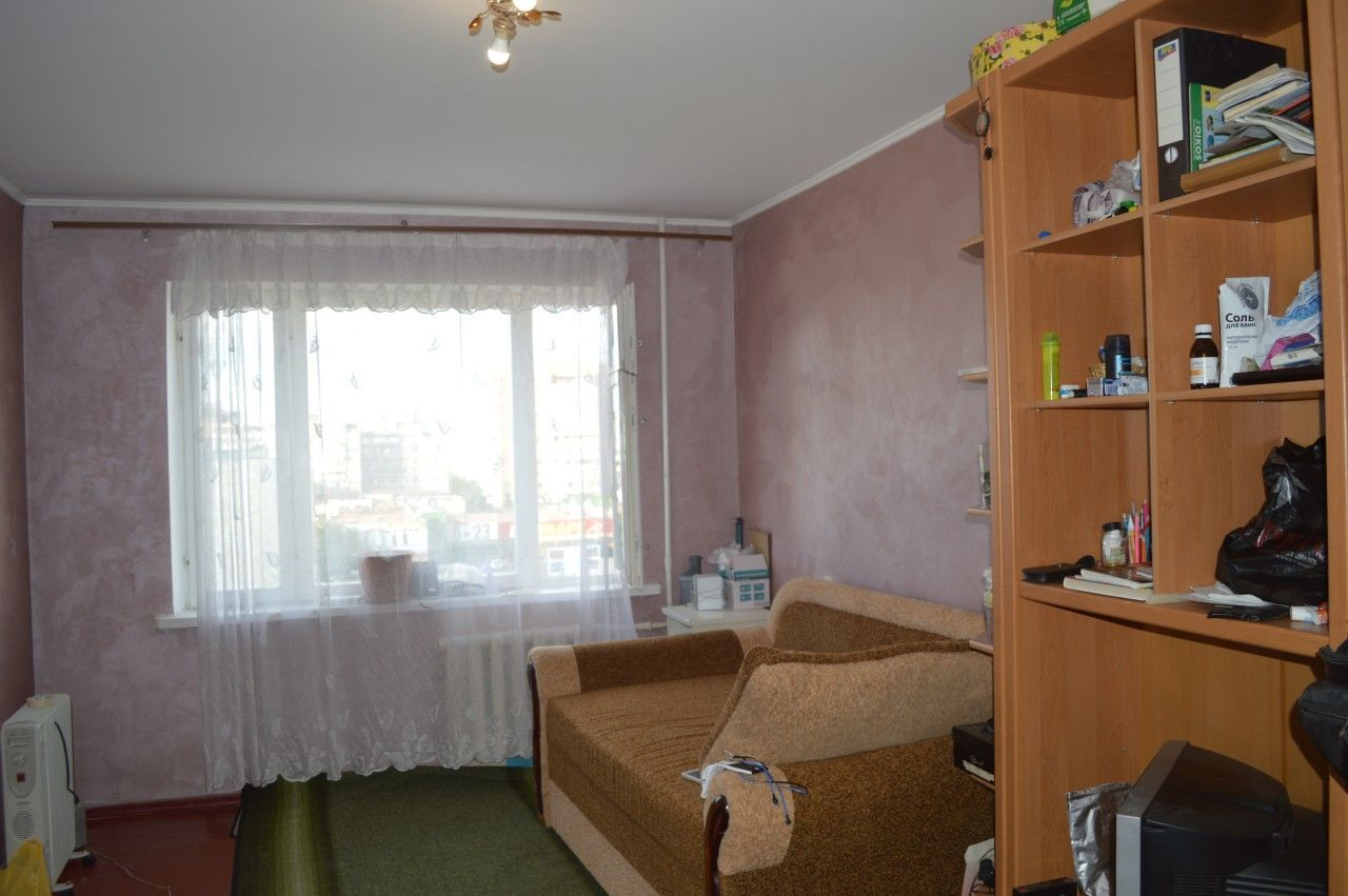 Продам 4-к квартиру на ул. Киевской 115. Центр Обухова. Песчаная.