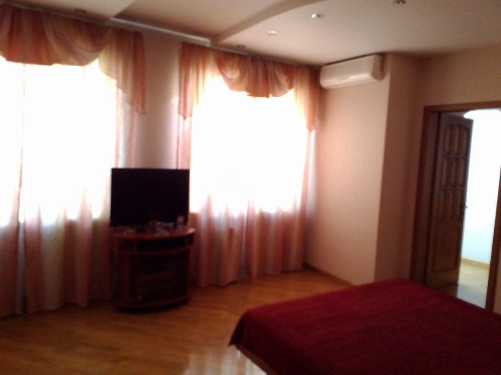 Шикарная 4 комнатная, евроремонт, Спецпроект, ул. Филатова Академика.