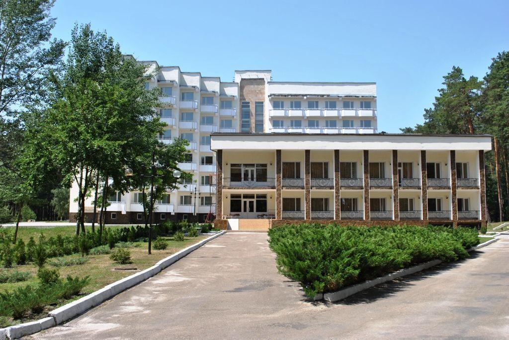 Продается уникальный санаторный комплекс в десяти км  на берегу Днепра