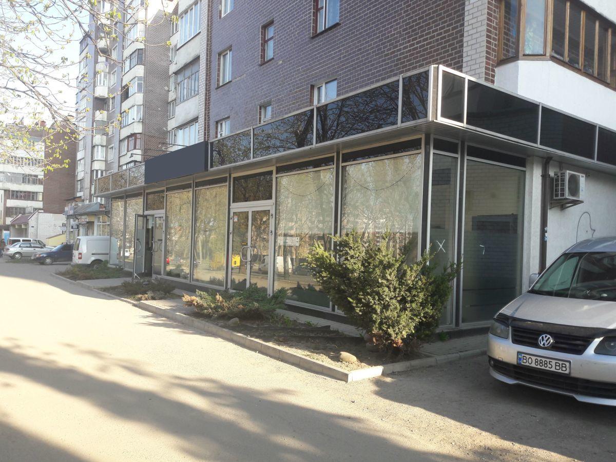 Продається офісне приміщення по вулиці Злуки