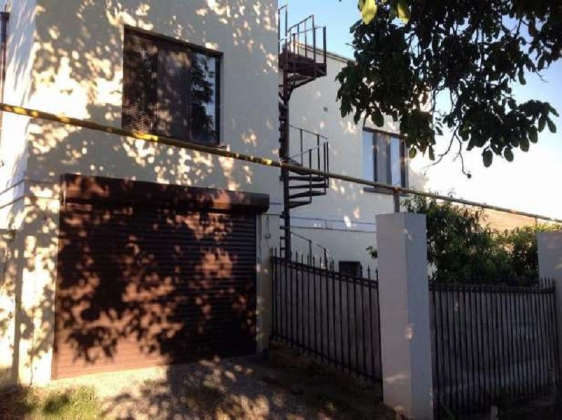 Продам современный 2-этажный дом  в Сухом Лимане.