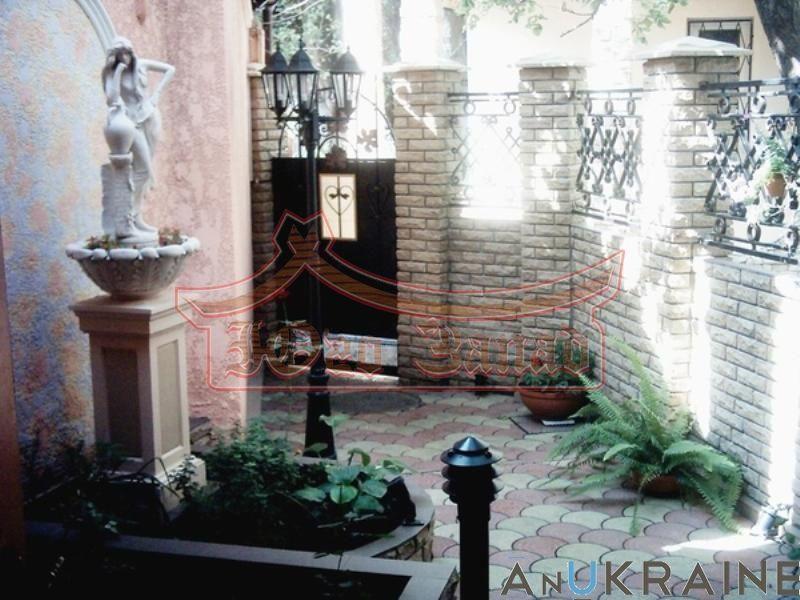 Фото - Купите! Шикарный Дом в статусе квартиры на Канатной! КОД- 30908.
