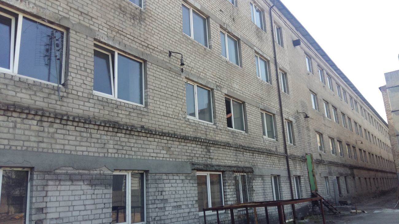 Фото - Продам помещение 850 кв.м. - 3400 кв.м (р-н автовокзала)