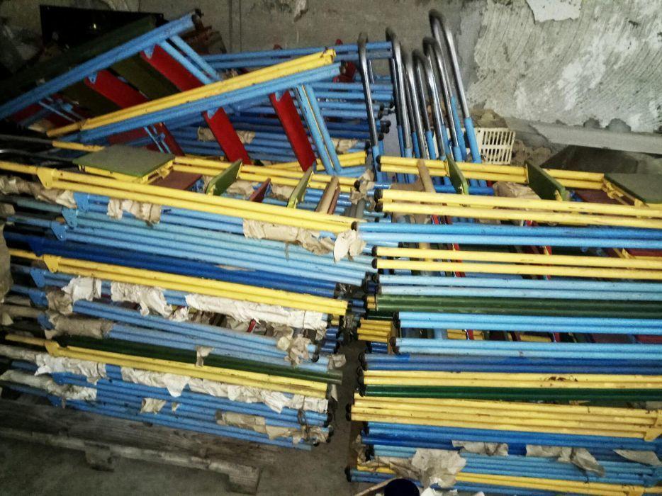 Продам лестницы/стремянки ссср новые хранение