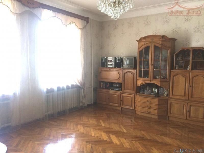 Фото - Срочно Продается двухкомнатная Сталинка на Садиковской.