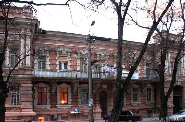 Трех комнатная квартира в Приморском р-не на Мечникова. КОД-827120