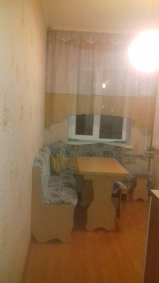 Продам 2 кв.в новом доме м.Защитников Украины.