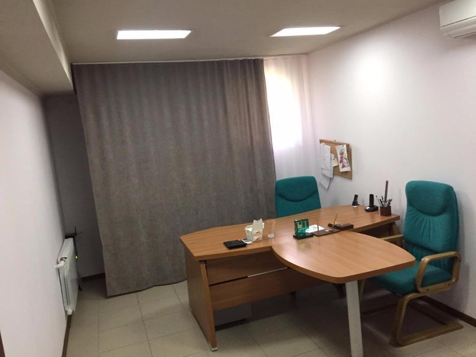 Продам офисное помещение 125м2 ул.Дмитриевская