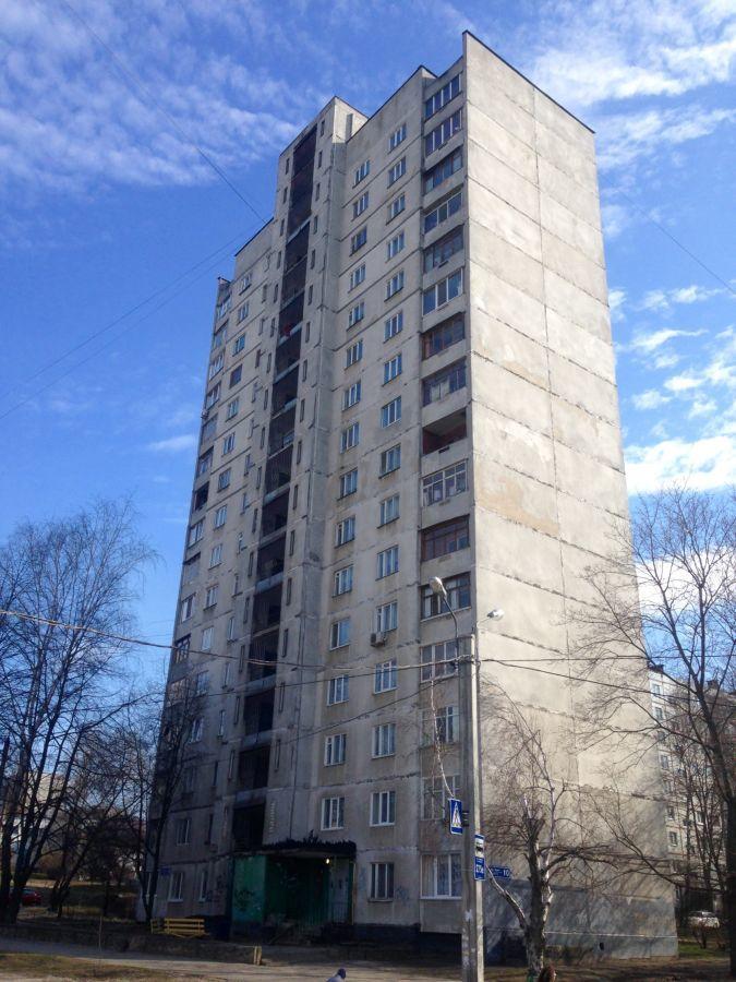 Продам3 комн. квартиру в 16-ти этажке Салтовка 524м/н