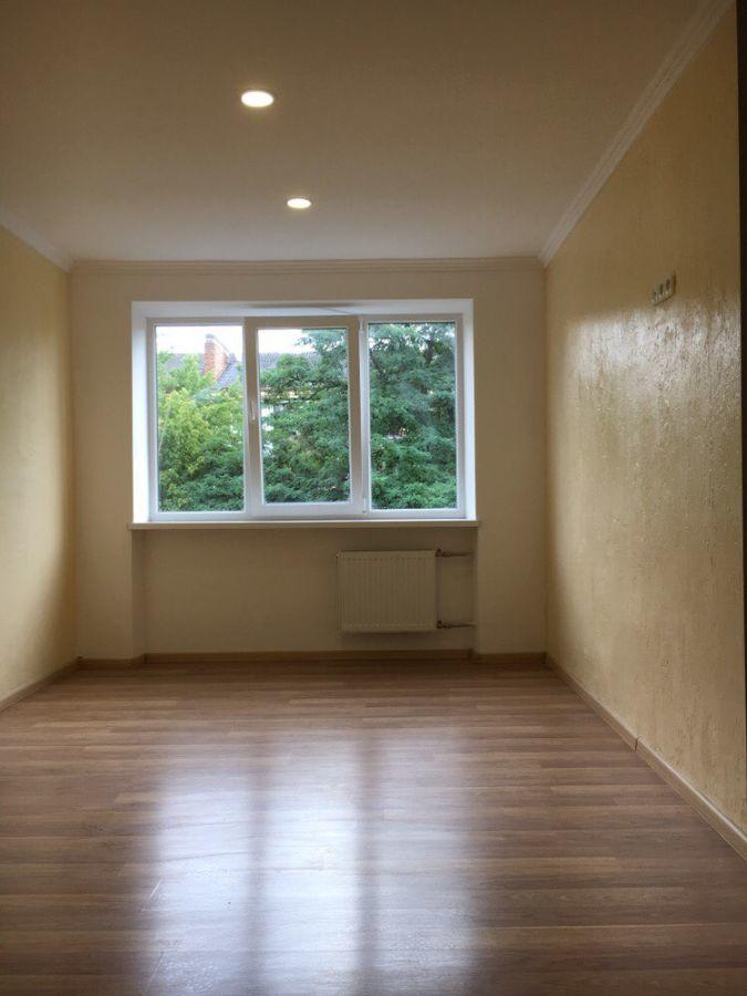 Продається 2-х кімнатна квартира Проспект