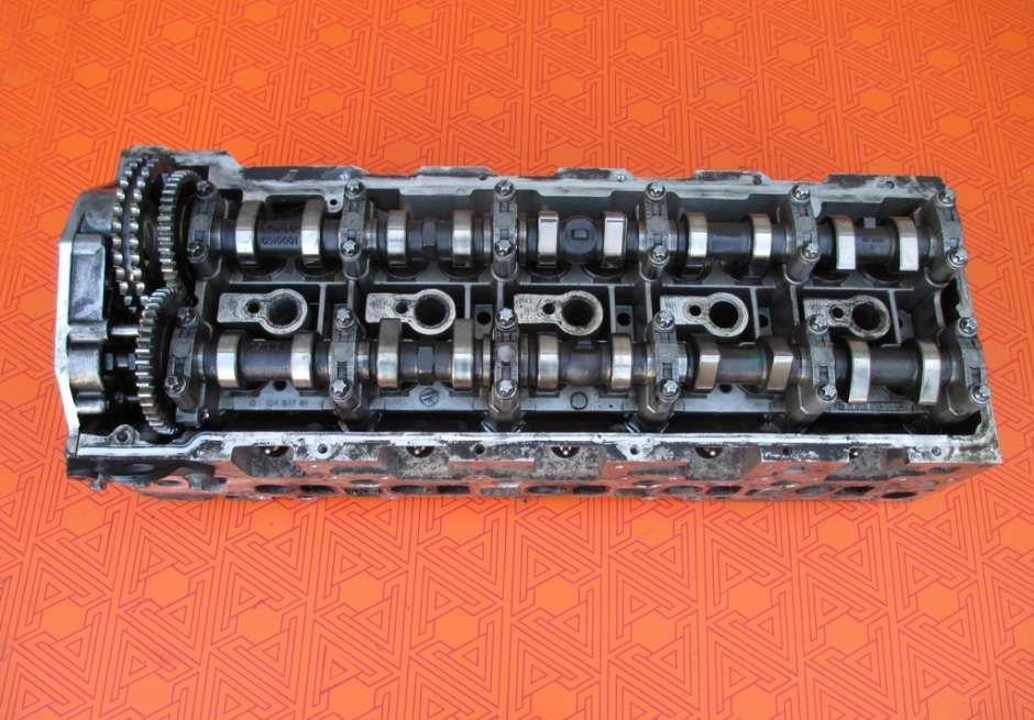Головка блока цилиндров на Mercedes Sprinter 2.7 cdi. ГБЦ к Мерседес С