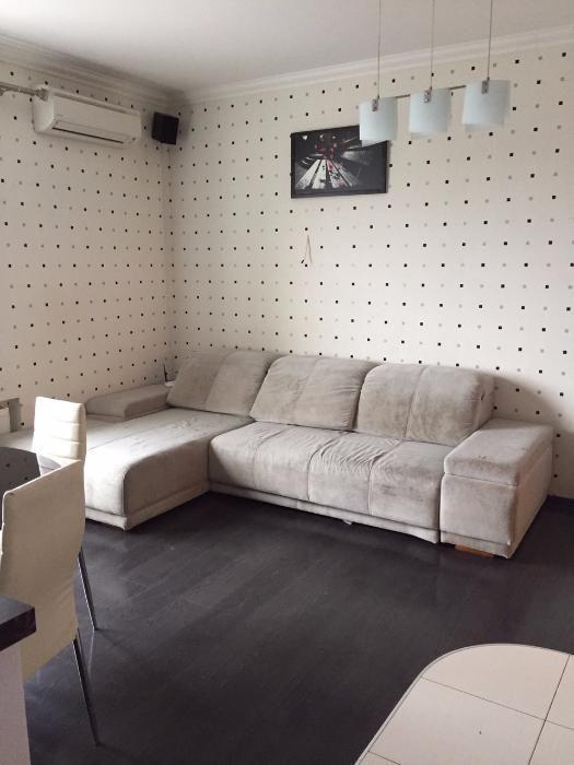Продам 3 комнатную квартиру Жилстрой-1 пр.Тракторостроителей 103б