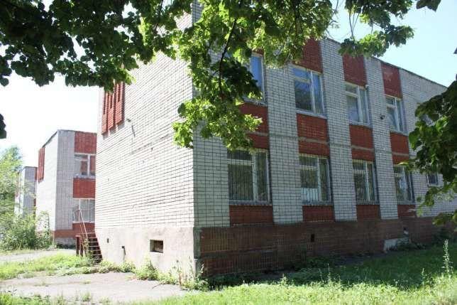Продам 2-х эт. кирпичное  здание на Гладкова район КДЦ Днепропресс.