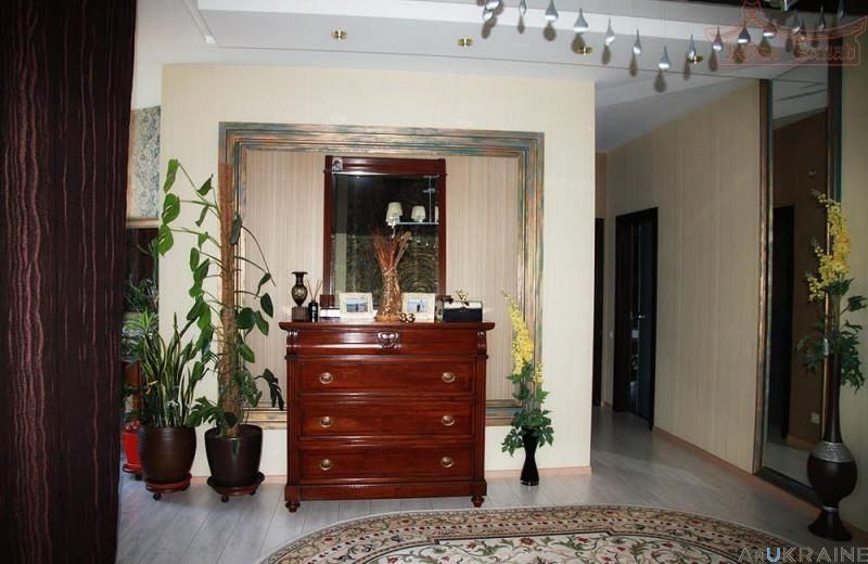 Продается квартира 138 кв.м с евроремонтом, ул.Ясная