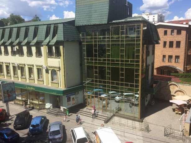 Продам 3 квартира в самом центре м. Университет, ул. Иванова, сталинка