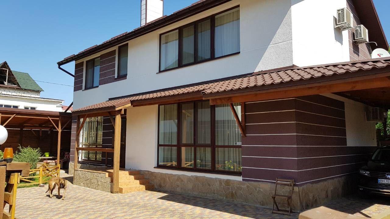 Продам новый 3-х уровневый дом в Червоном хуторе