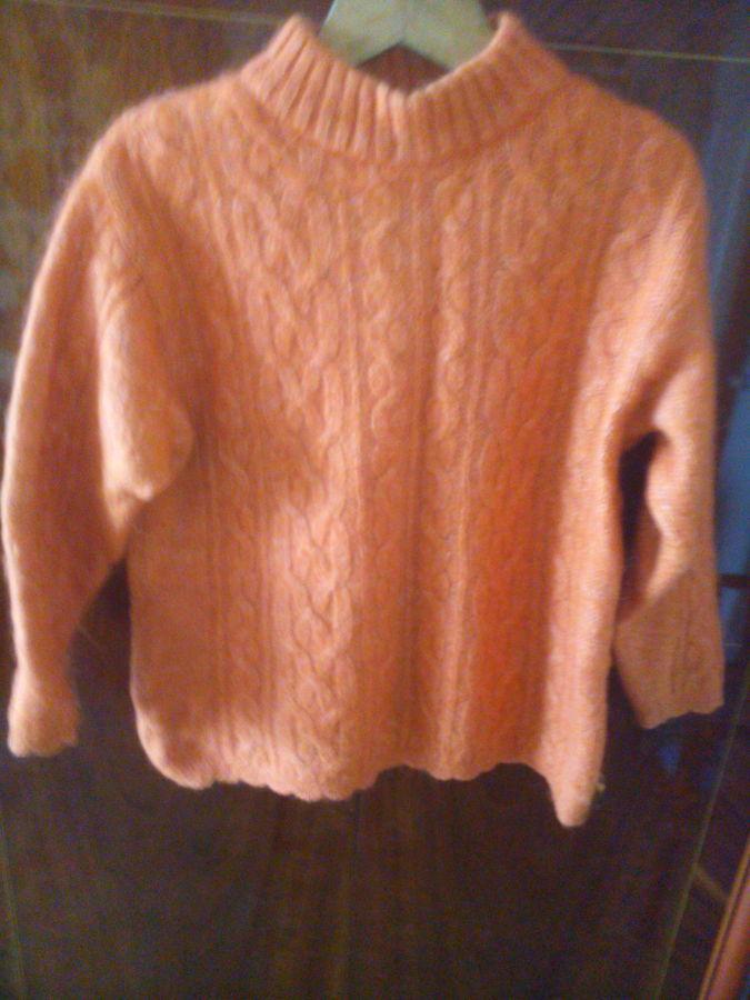 Продам женский свитер.  150 грн. - Свитера 37f905d248265