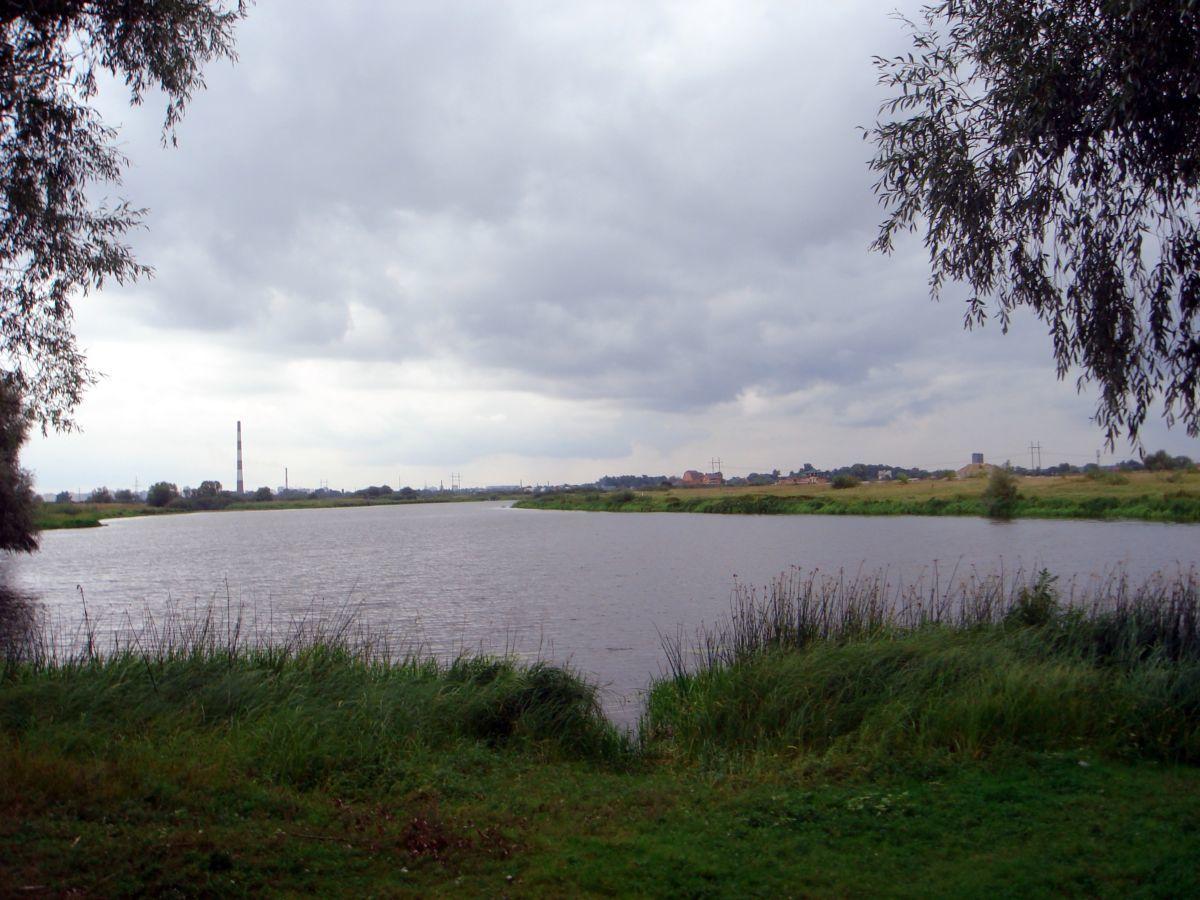 Земельный участок 2 га. с прямым выходом на озеро Млынное, 4 км.от М.