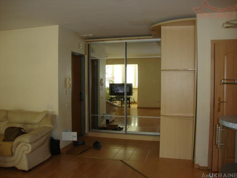 2-квартира на ул Пишоновской с кухней студией