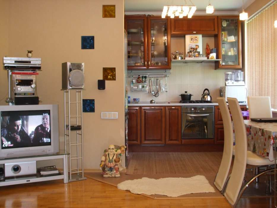 """продам 3-х комнатную квартиру в кирпичном""""Обкомовском"""" доме в Аркадии"""