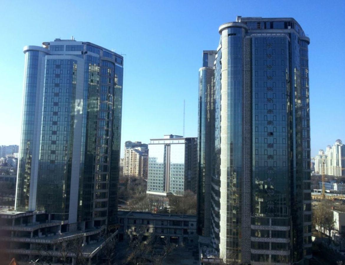 Предлагается к продаже однокомнатная квартира в ЖК Гагарин Плаза.