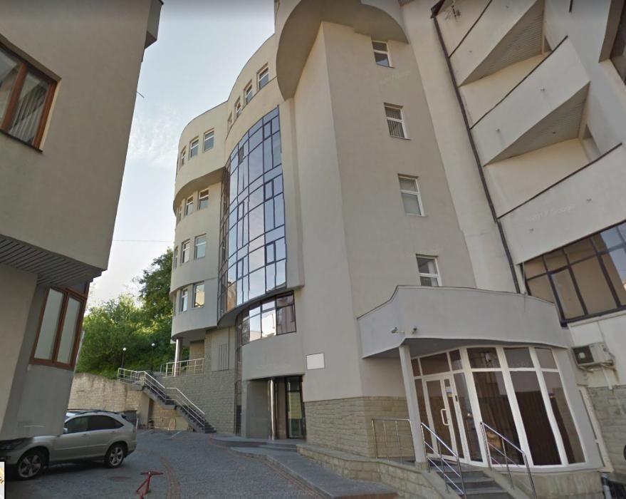 Продам отдельно стоящее офисное здание(2000м2) на Госпитальной