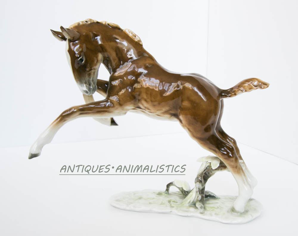 Фарфоровая статуэтка HUTSCHENREUTHER Germany Жеребенок