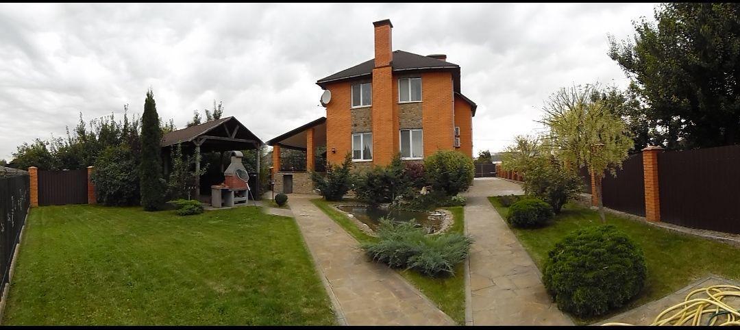 Дом кирпичный, г. Борисполь, центр города, 320 кв.м., шикарный ремонт