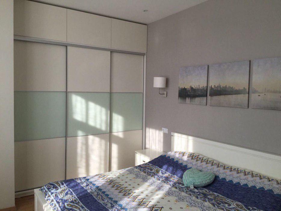Продам трехкомнатную квартиру с ремонтом Целиноградская 50е