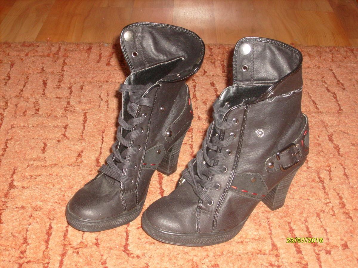 Чобітки жіночі осінні  190 грн. - Ботинки Львов - объявления на ... 9a2c9932dd637