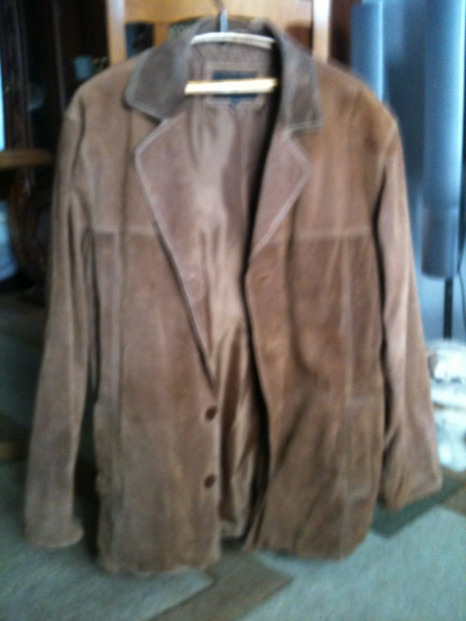 Продам куртку мужскую замшевую