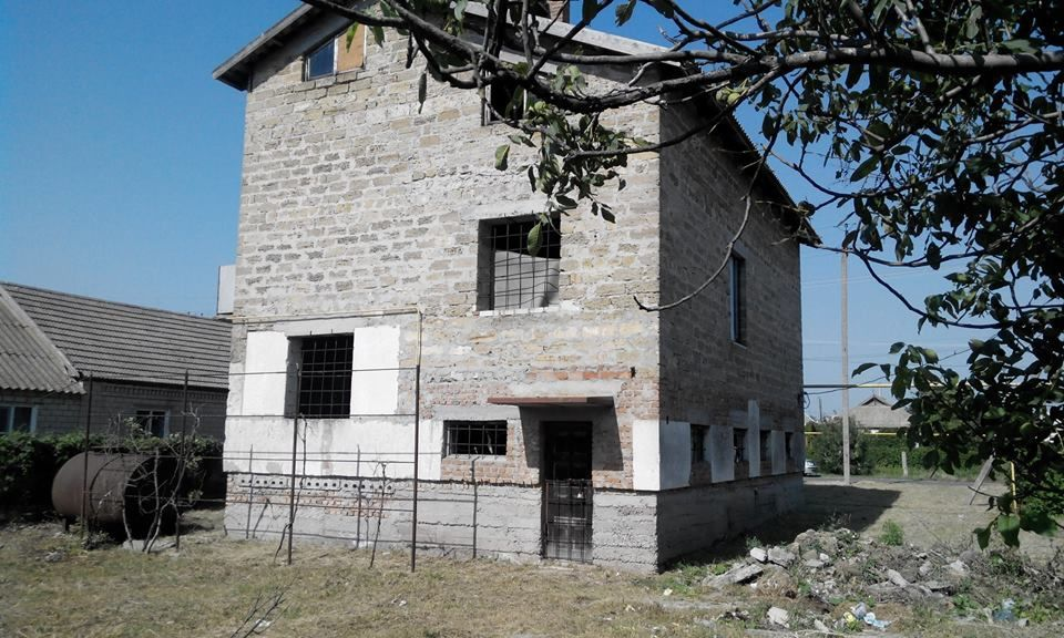 Продам 2-х эт.дом в г.Скадовске, возле центра.