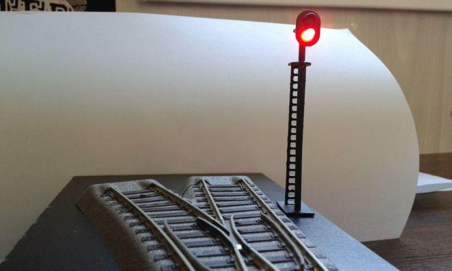 Модель двухзначного светофора для декора макета железной дороги piko,r