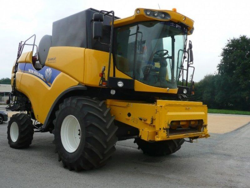 Комбайн New Holland CX 6090