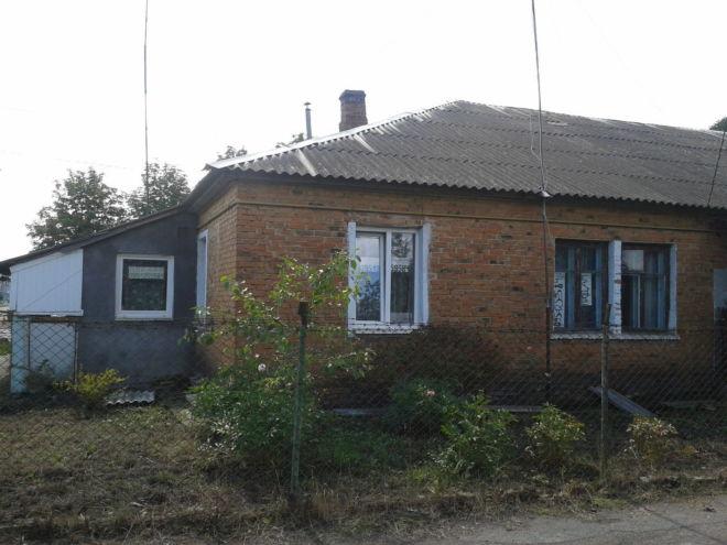 Продам 2-х кімнатну квартиру 43 кв.м., в бараці, смт.жвирка, львівські
